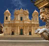 What-see-to-Noto-Cathedral